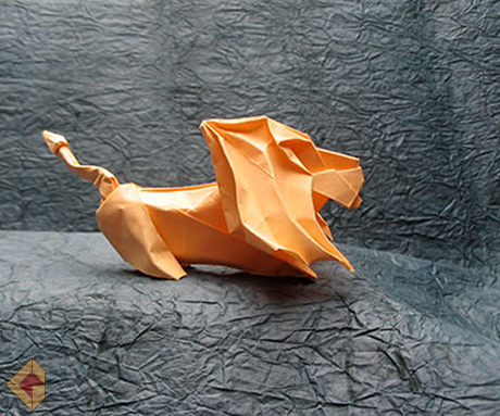 Lion designed and folded by Grzegorz Bubniak