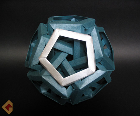 Six Interlocking Pentagonal Prisms designed by Daniel Kwan and folded by Grzegorz Bubniak