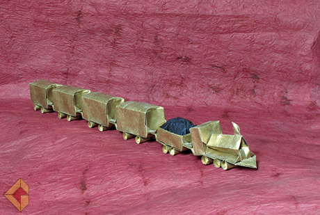 Train designed by Emanual Moser and folded by Grzegorz Bubniak